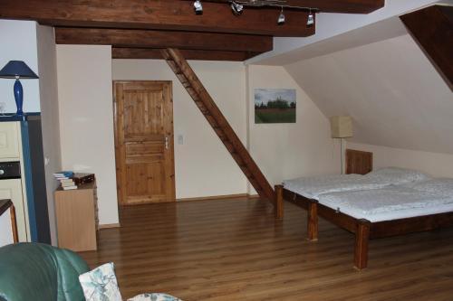 Ein Bett oder Betten in einem Zimmer der Unterkunft Ferienwohnung Prenzlau