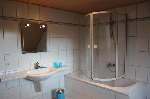 Ein Badezimmer in der Unterkunft Ferienwohnung Prenzlau