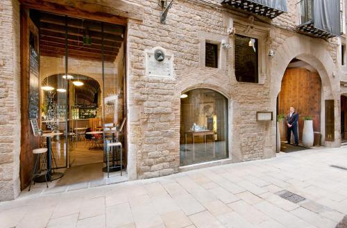 The facade or entrance of Mercer Hotel Barcelona
