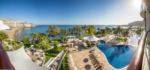 Een algemene foto van La Playa de Arguineguín of een uitzicht op de stad vanuit het hotel