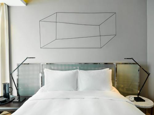 A room at 99 Bonham