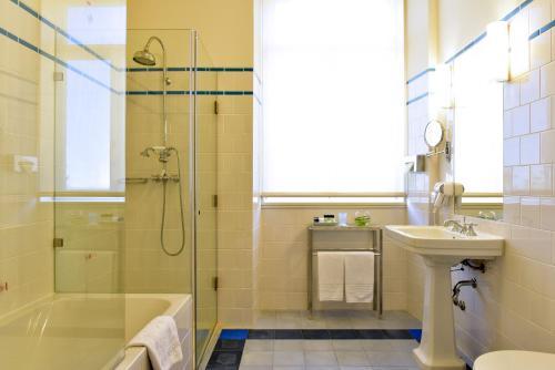 Uma casa de banho em Pousada da Serra da Estrela
