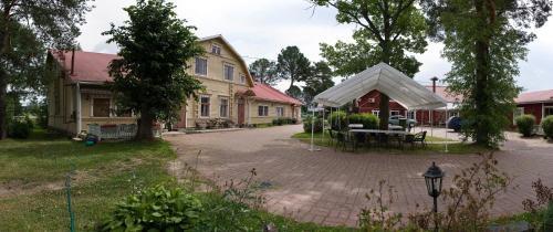 Patio tai muu ulkotila majoituspaikassa Kartano Hostel