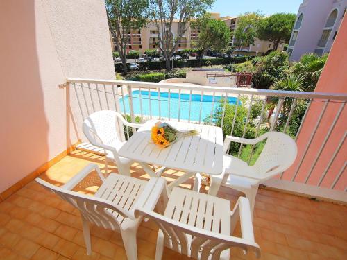 A balcony or terrace at Apartment Le Lagon Bleu-1