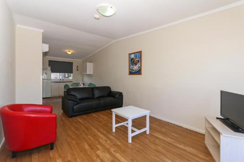 A seating area at Scarborough Apartments