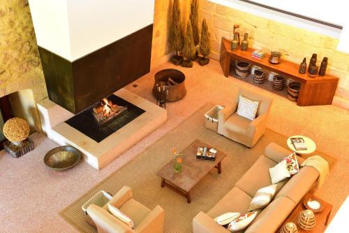 The lounge or bar area at Pousada Mosteiro do Crato