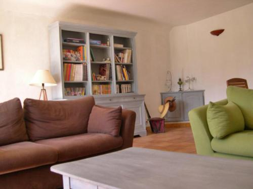 A seating area at Holiday Home La Grèze