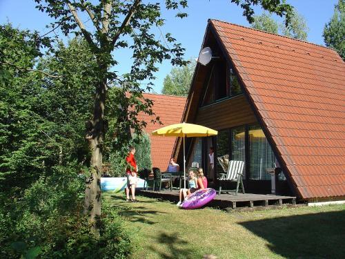 Ein Patio oder anderer Außenbereich in der Unterkunft Holiday Home Ferienpark Ronshausen-3