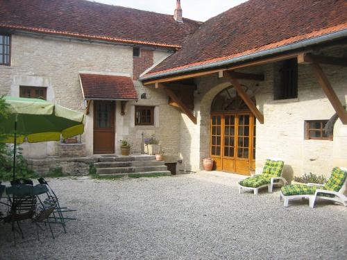 A porch or other outdoor area at Holiday Home Les Glycines