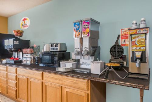 Coffee and tea-making facilities at Super 8 by Wyndham Wakeeney