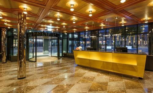 The lobby or reception area at Hotel Ascot