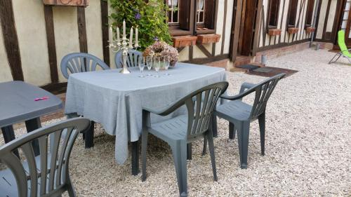 A porch or other outdoor area at Le Gite de Laurence