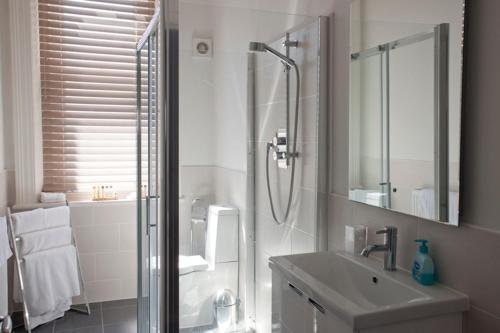 A bathroom at Villa Lavinia