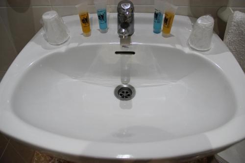 Un baño de Hostal la zamora