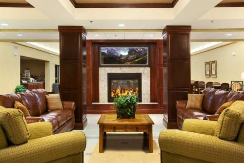 The lobby or reception area at Homewood Suites by Hilton Denver - Littleton
