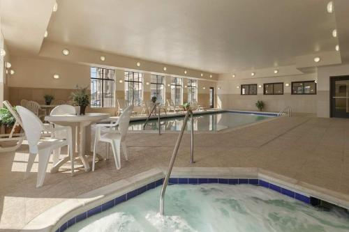 The swimming pool at or near Homewood Suites by Hilton Denver - Littleton