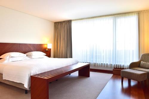 Uma cama ou camas num quarto em Pousada De Viseu