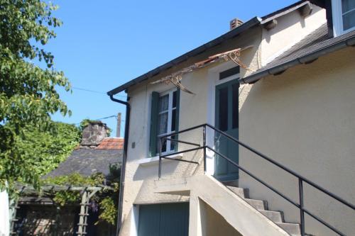 A balcony or terrace at Apartment Fleur de Lys Bleue