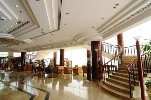 مركز اللياقة و/أو مرافق اللياقة في Dubai Grand Hotel by Fortune, Dubai Airport