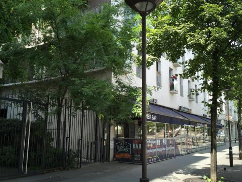 The facade or entrance of Appartement Lumineux Paris 13