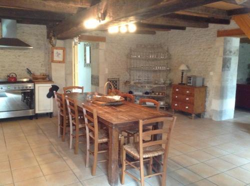 A kitchen or kitchenette at Gite du Calme
