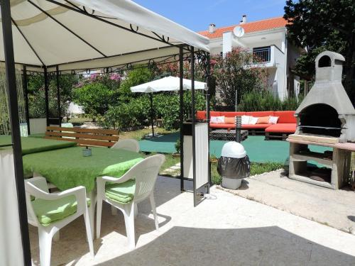 A patio or other outdoor area at Apartments Denona