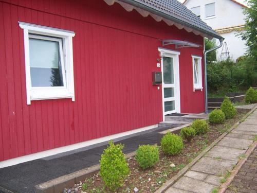 Eine Fassade oder ein Eingang zu Ferienhaus Waldfee