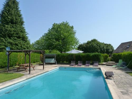 The swimming pool at or near La Fermette at Les Lavandes