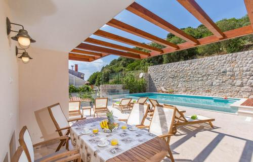 A patio or other outdoor area at Apartments Villa Boban