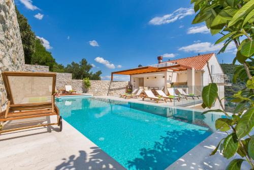 The swimming pool at or close to Apartments Villa Boban