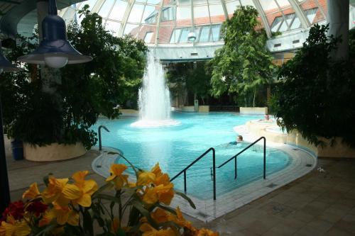 Бассейн в Vital Hotel или поблизости