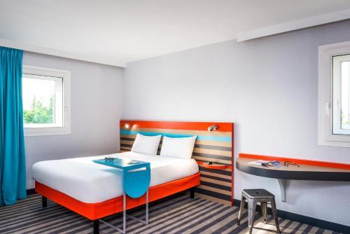 A room at ibis Styles Antony Paris Sud