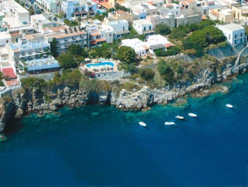 Vista aerea di Hotel Giardino Sul Mare