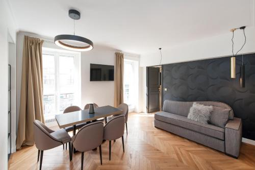 A seating area at Appartements Saint-Germain - Odéon