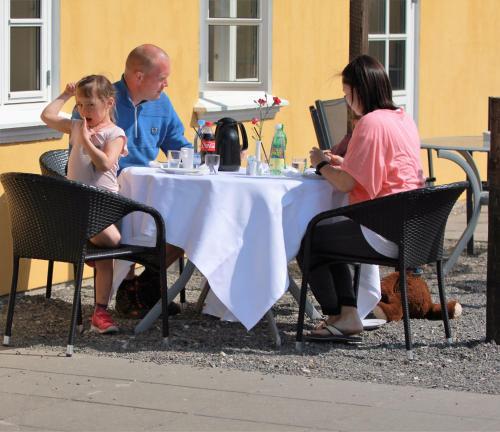Gæster der bor på Camping & Feriecenter Samsø