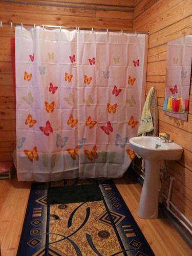 Ванная комната в 1 Gostiniy Dvor Izbushka