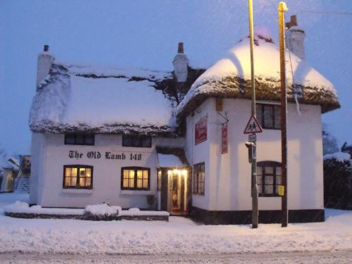 Old Lamb Hotel during the winter