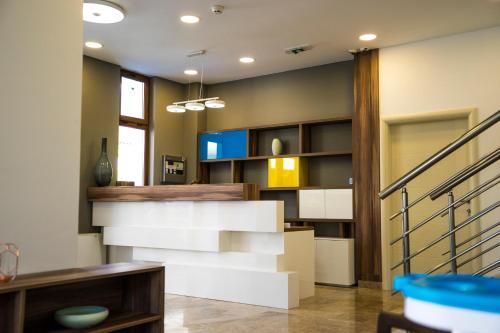 The lobby or reception area at Hotel Kapetanovina