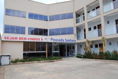 The facade or entrance of Pousada Santana - Trindade Goiás