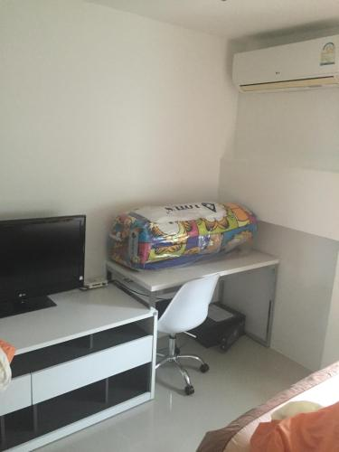 A television and/or entertainment center at Kamala Paradise 1 A14 (House 67/12)