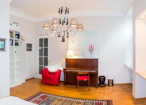 Лаундж или бар в Apartment on M. Konyushennaya