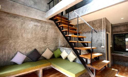 The lounge or bar area at Aonang Lodge
