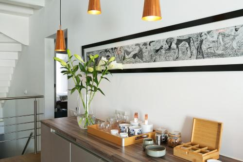Coffee and tea-making facilities at Bacán Bed & Breakfast