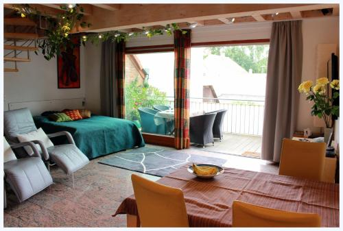 Ein Sitzbereich in der Unterkunft Studio A Am Burgberg