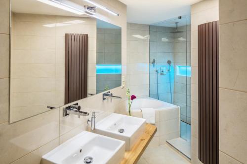 A bathroom at Templova 6 Old Town Apartment