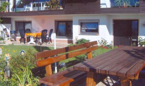 Ein Restaurant oder anderes Speiselokal in der Unterkunft Ferienwohnung Panoramablick