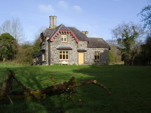 Ballealy Cottage