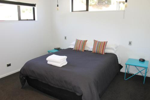 A bed or beds in a room at Number 4