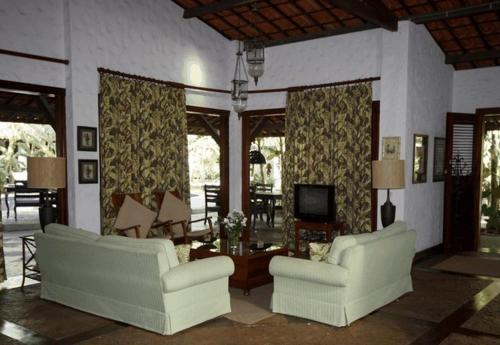 A seating area at Casa de São José Hotel de Charme