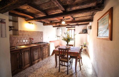 Cucina o angolo cottura di Casa Vacanze Antico Poggio